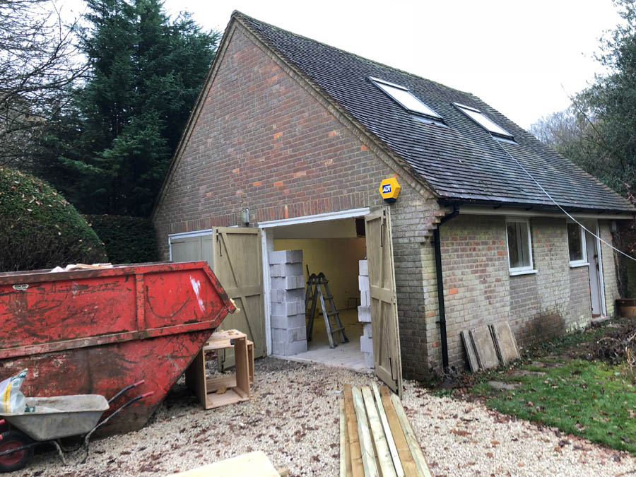Double garage construction project in Buckinghamshire