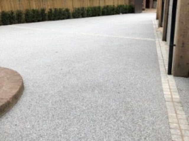 Resin driveway installer Buckinghamshire